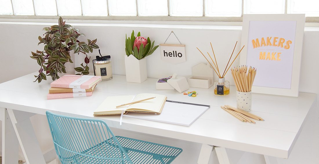 ideas de papeleria Pretty Desk White
