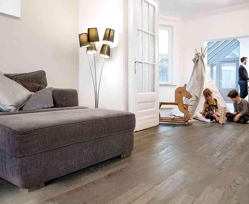 suelos de madera quickstep salon
