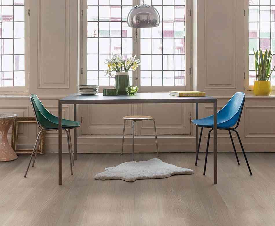 suelos de madera quickstep sillas retro