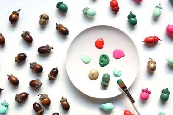 bellotas de colores