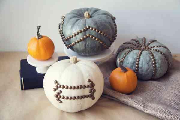 Calabazas en tu decoracion de Halloween - calabaza chinchetas