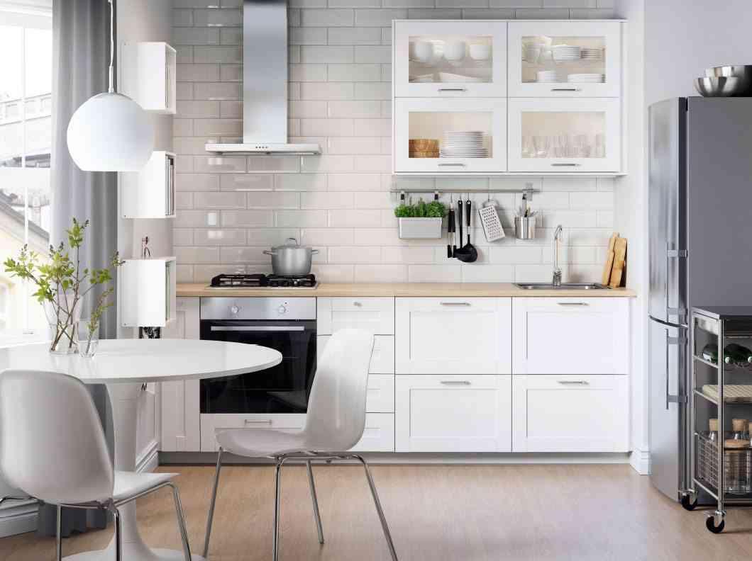 limpieza general de la cocina ikea blanca