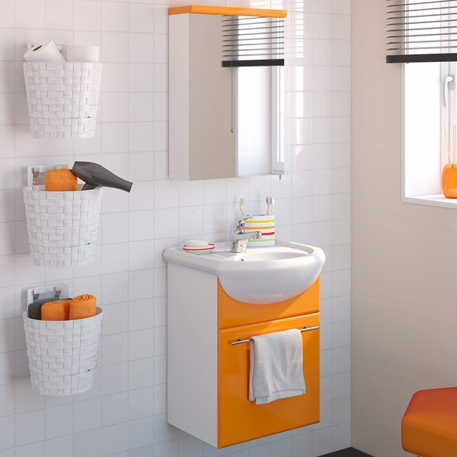 Trucos para lograr un baño más espacioso