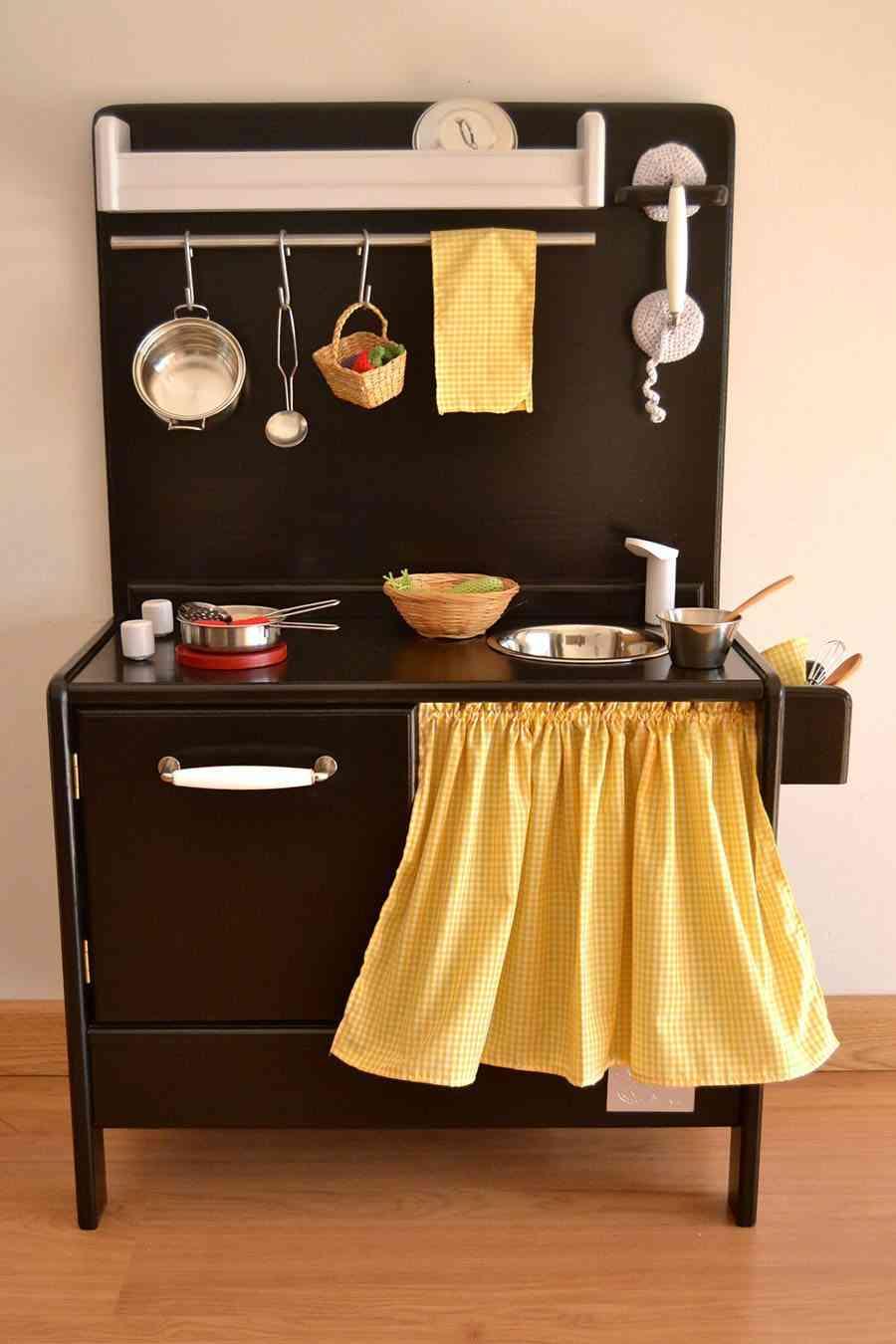 decorar las habitaciones infantiles MacarenaBilbao negra