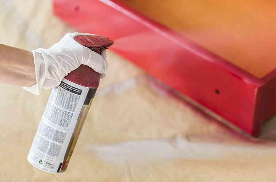 pintar una comoda de madera paso 4