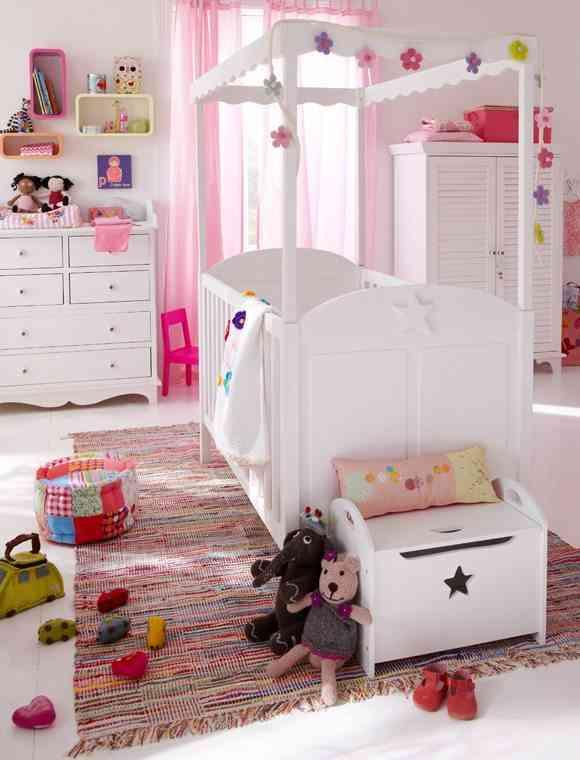 habitación del bebé cuna car mobel