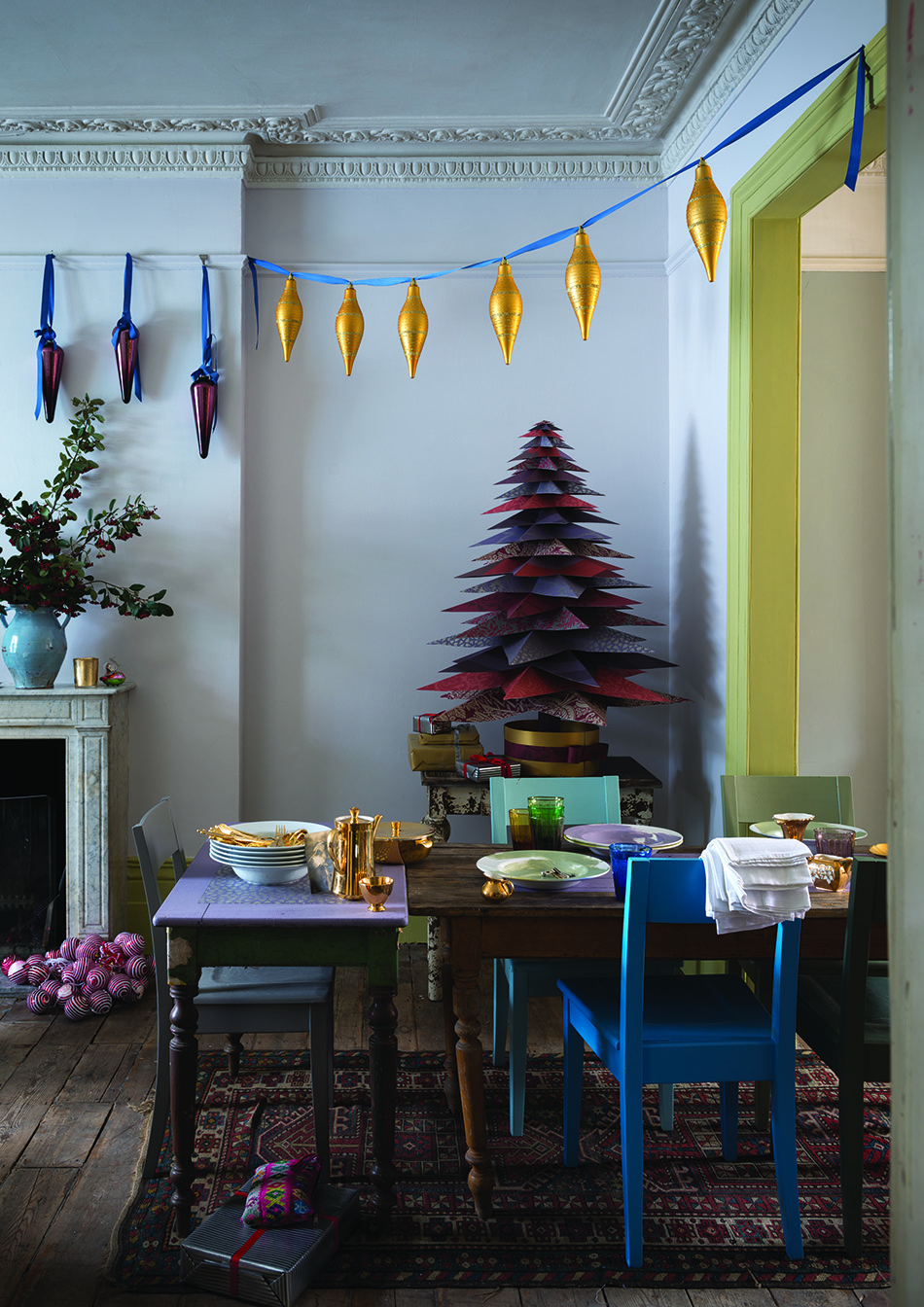 Cómo hacer un árbol de Navidad FarrowBall festive LivingRoom