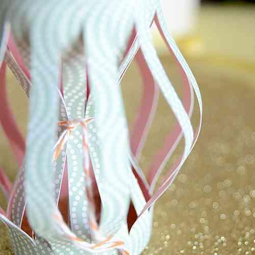 Manualidad de Navidad - farolillos de papel - 4