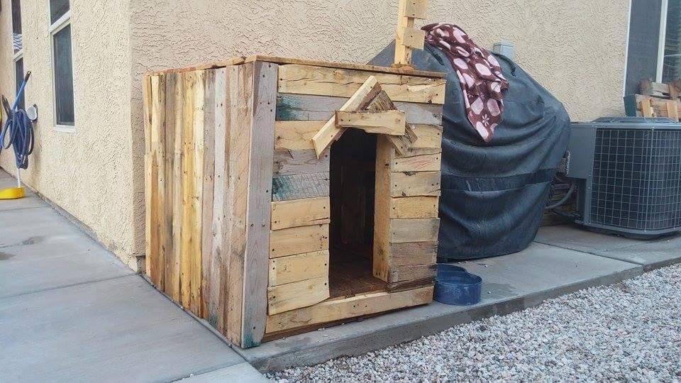 caseta para el perro hecha de madera