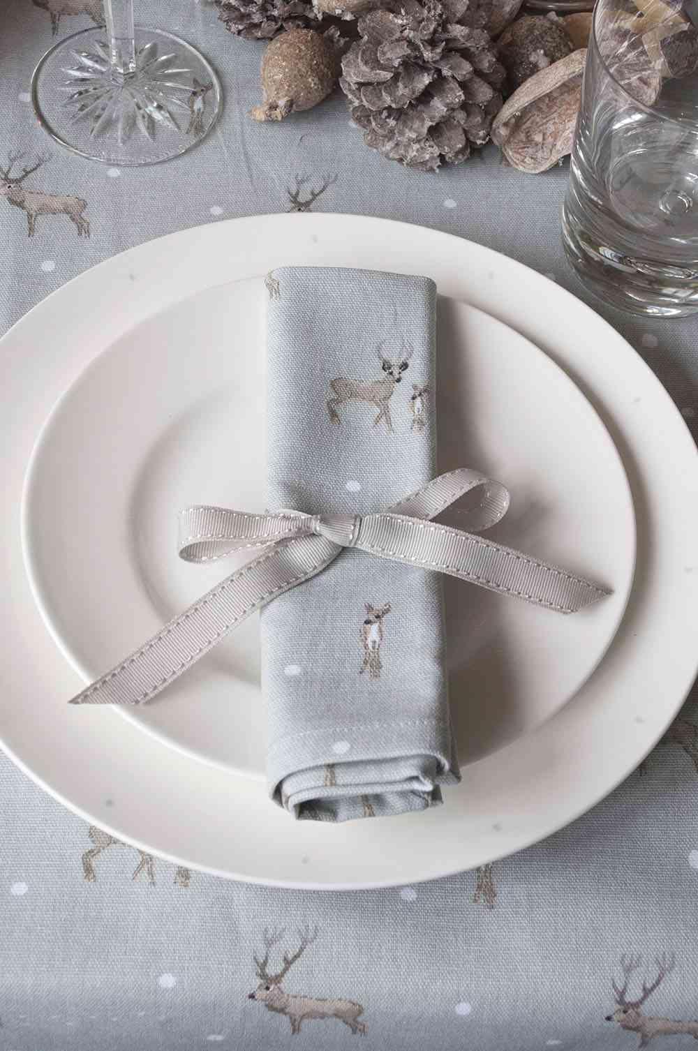 vajilla de Navidad SophieAllport vajilla blanca