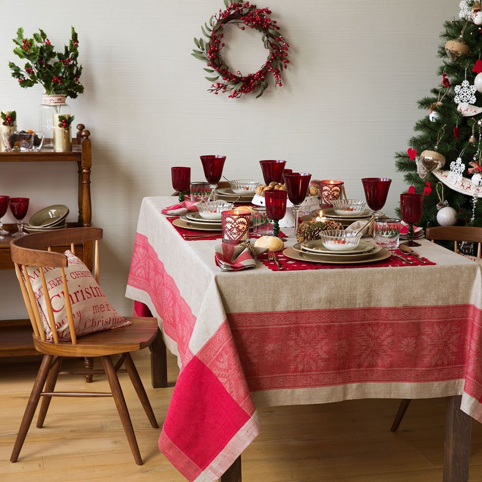 mesas decoradas para Navidad zara mesa campera en rojo