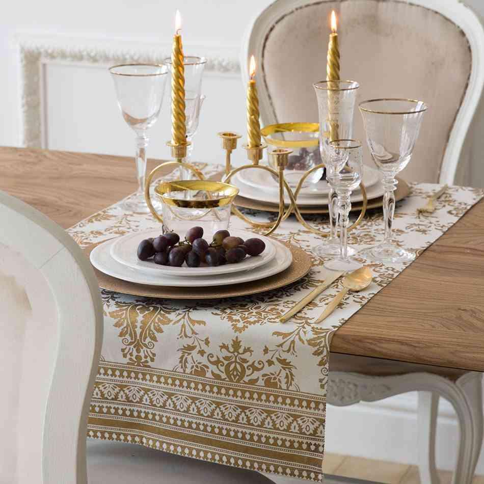 mesas decoradas para Navidad zara mesa dorada