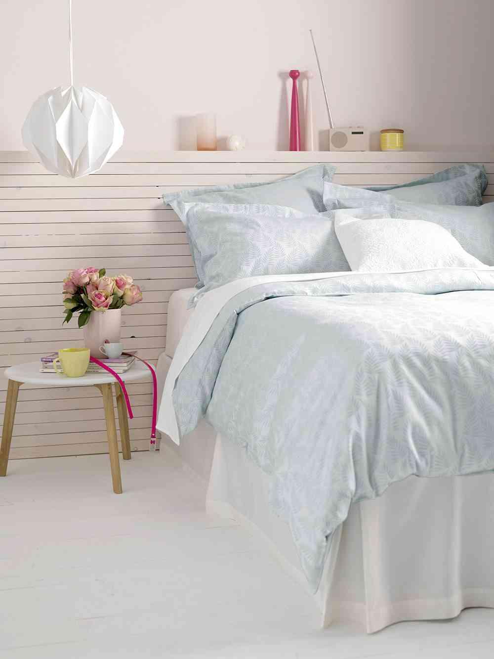 redecorar el dormitorio cama lampara colgante