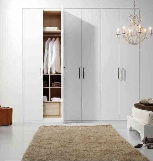 C mo elegir las puertas para un armario empotrado for Armarios roperos para habitaciones pequenas