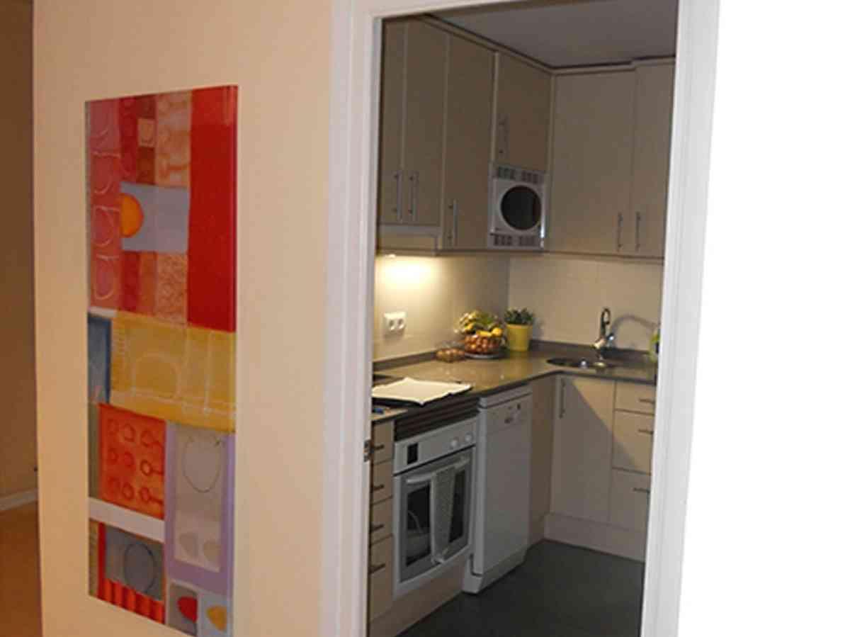 El antes y el despu s de cuatro cocinas peque as for Cocinas lineales de cuatro metros