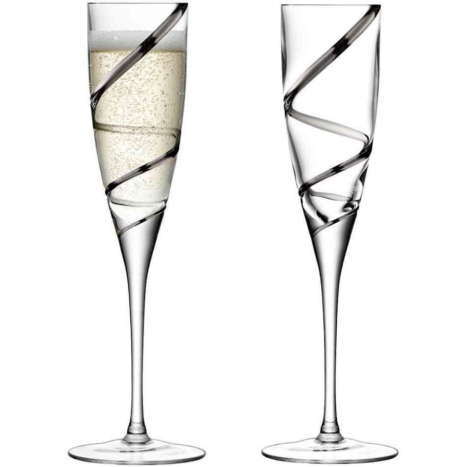 copas objetos de cristal relucientes