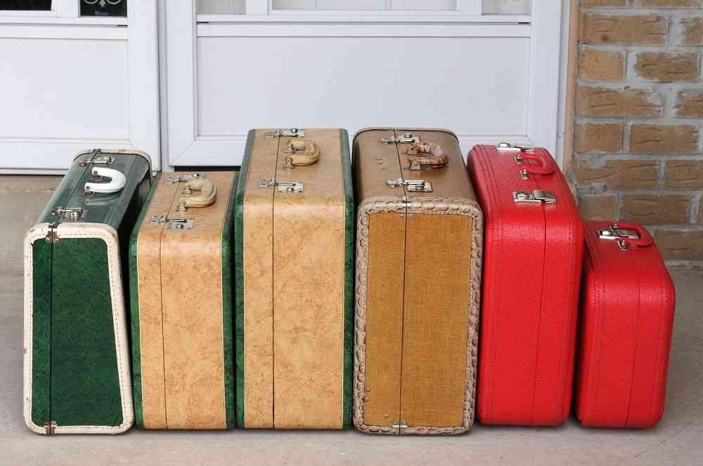 Decorar con maletas antiguas de estilo vintage for Maletas antiguas online