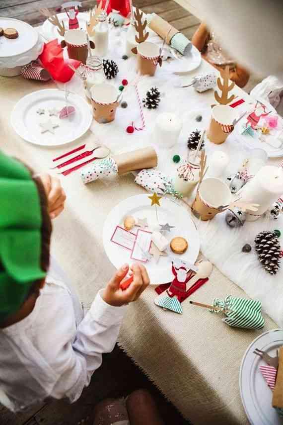 Decorar la mesa infantil en Navidad planta