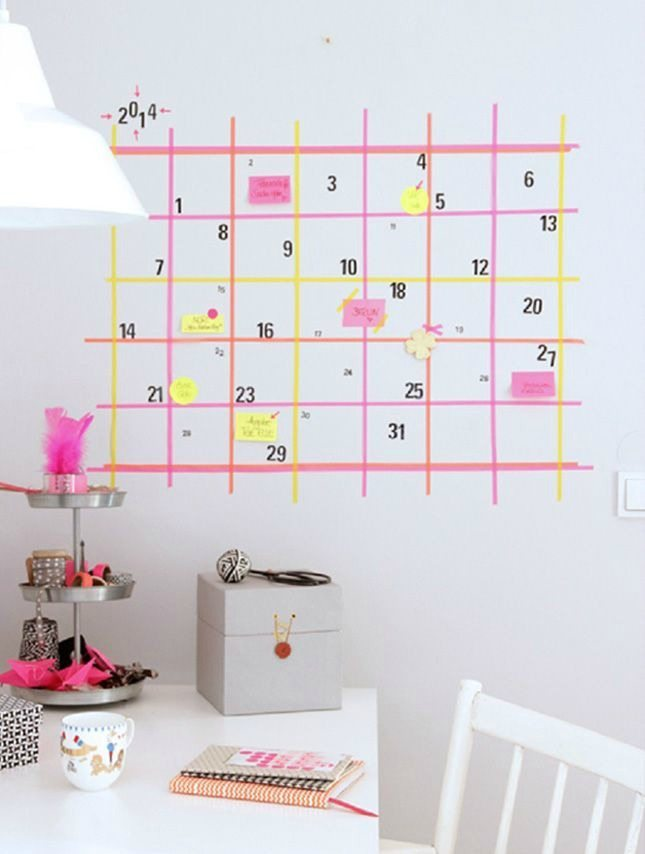 Decorar paredes con washi tape. Calendario en zona de trabajo 600x854