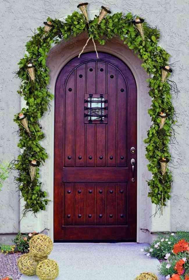 decorar puertas de Navidad verde