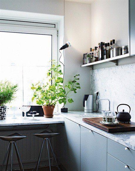 cocina con revestimiento de mármol
