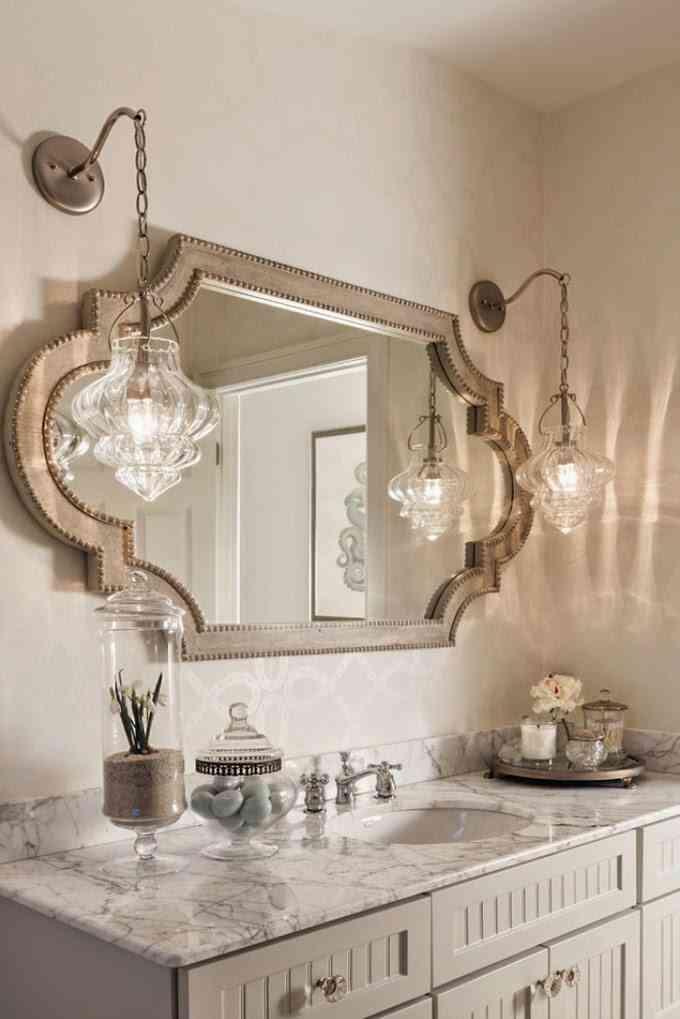 C mo elegir los apliques para el espejo del ba o for Apliques para banos modernos