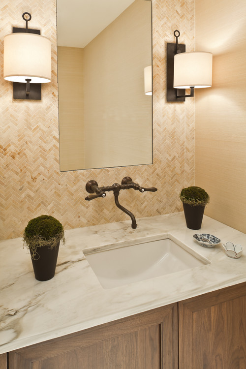 Cómo elegir los apliques para el espejo del baño