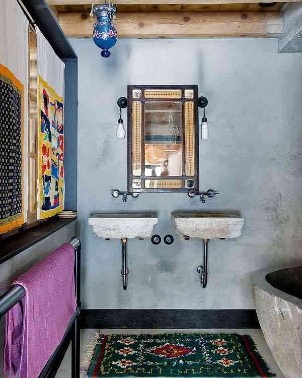 casa en los Alpes franceses bano lavabos