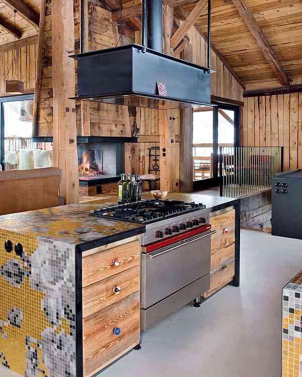 casa en los Alpes franceses isla cocina