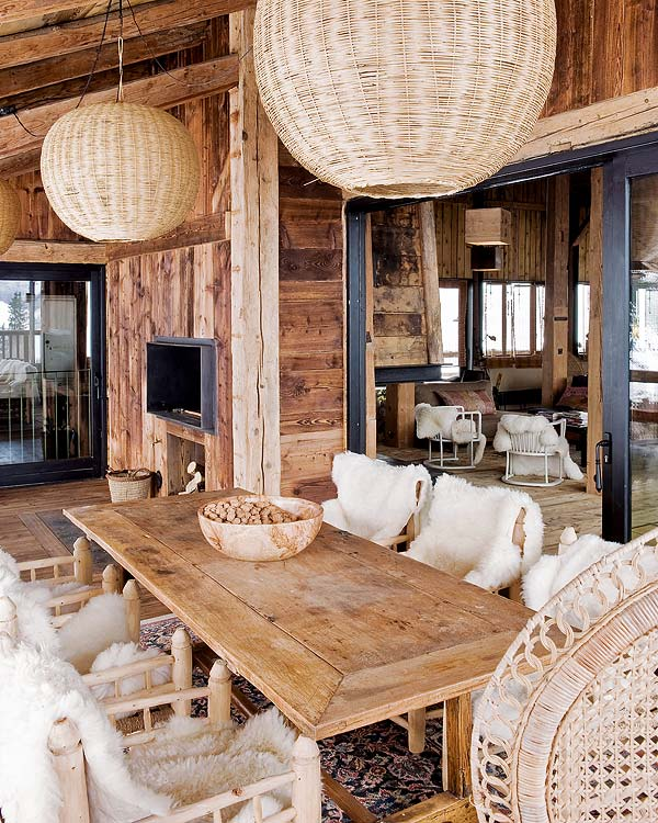 casa en los Alpes franceses mesa porche