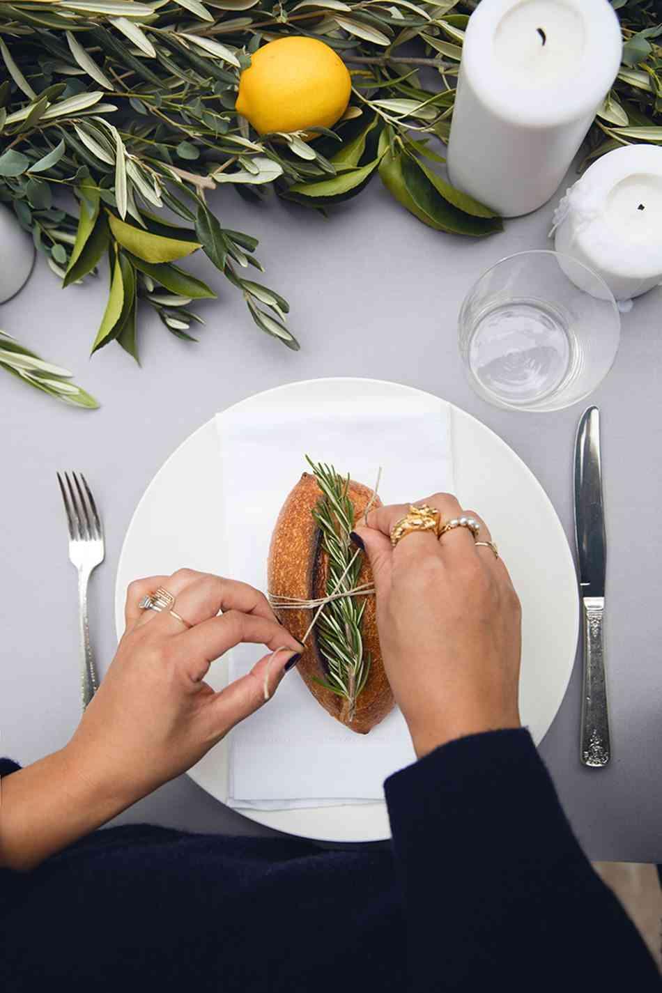 decorar la mesa detalles plato