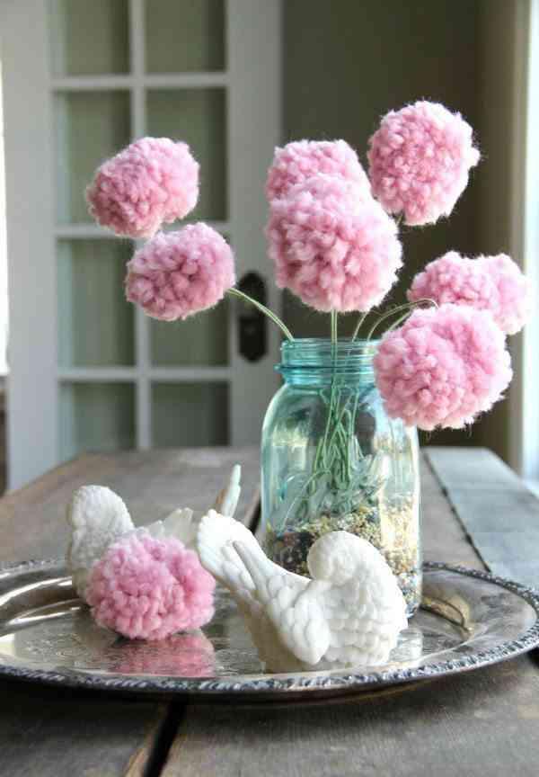 adornar la casa con pompones ramo flores