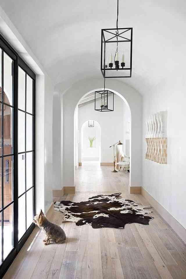 alfombras de piel de vaca honestly pasillo
