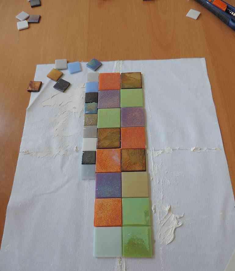 mantel individual con teselas colocar piezas