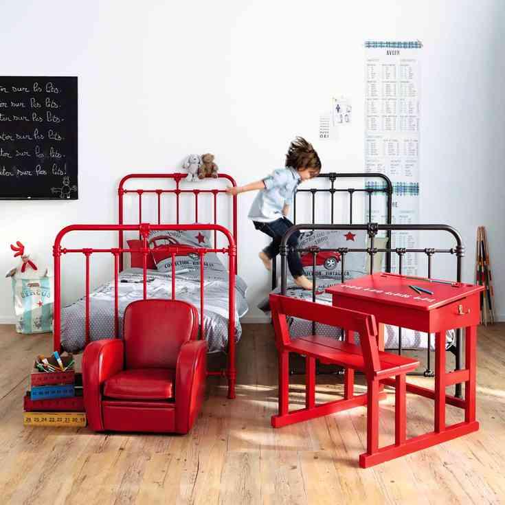 cama de hierro maisons roja y negra