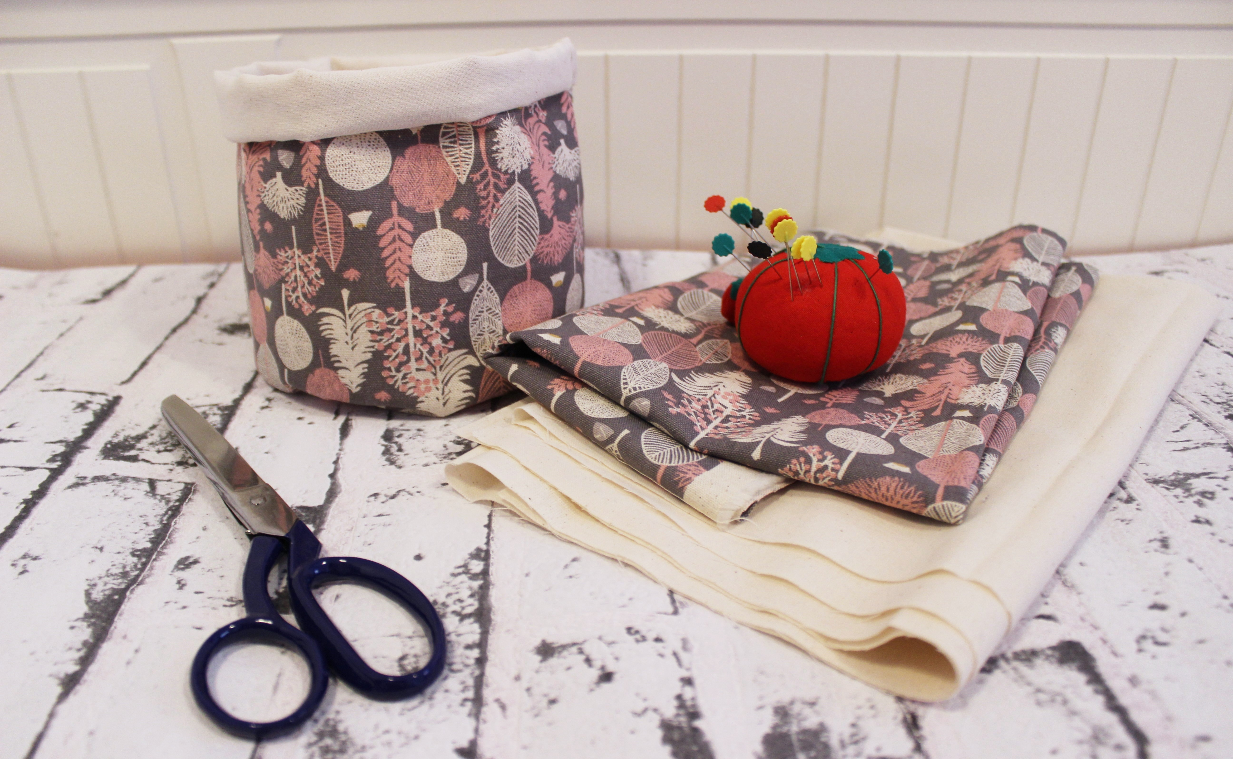 Cómo hacer cestas de tela redondas para decorar tu casa