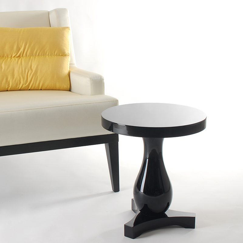 mesa auxiliar para el sofa Hudson side table
