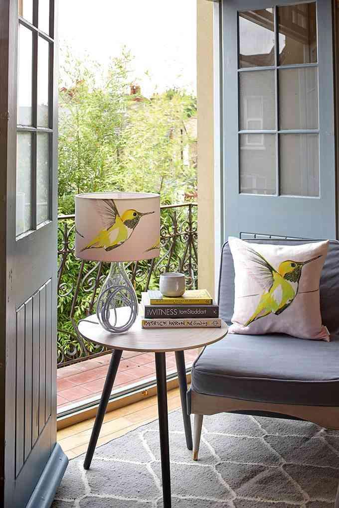 mesa auxiliar para el sofa lemon