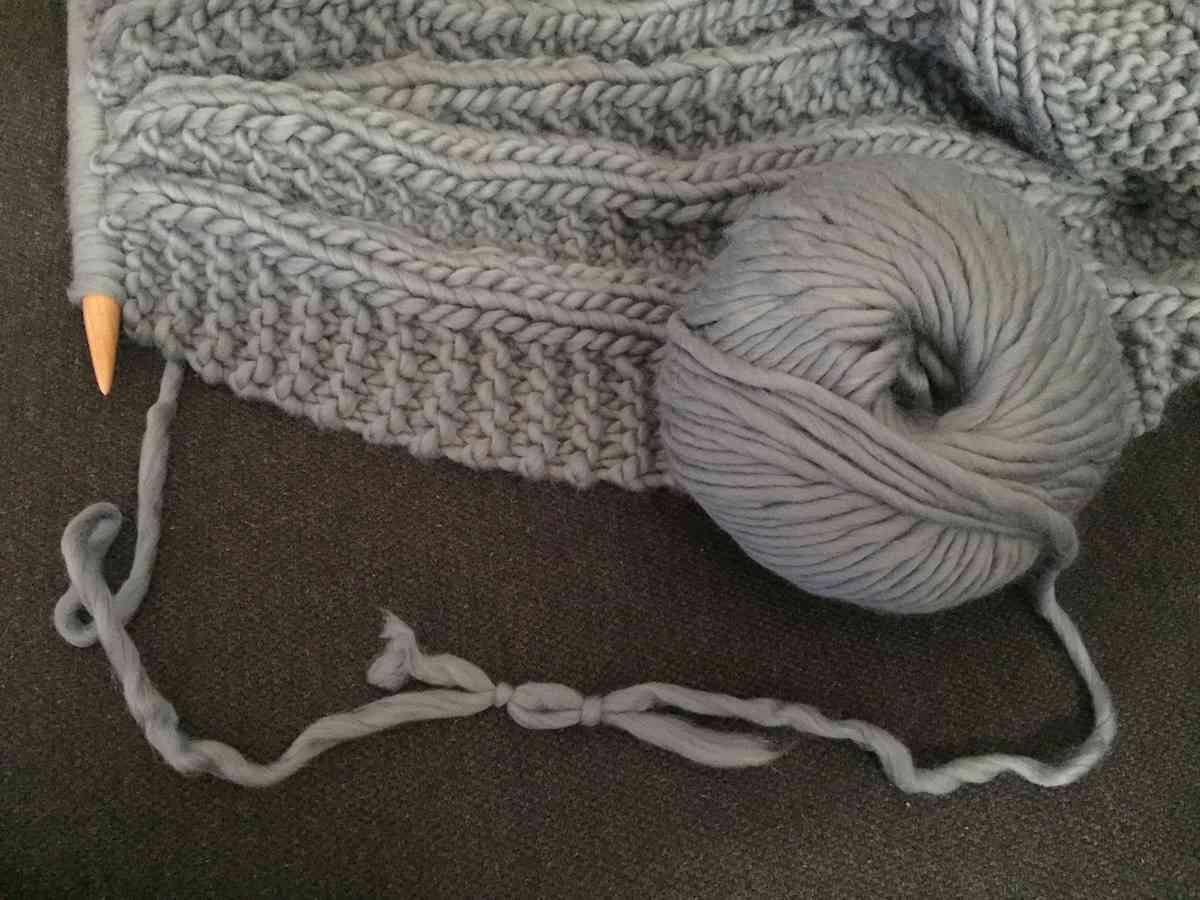 tejer una manta para el sofá - 7
