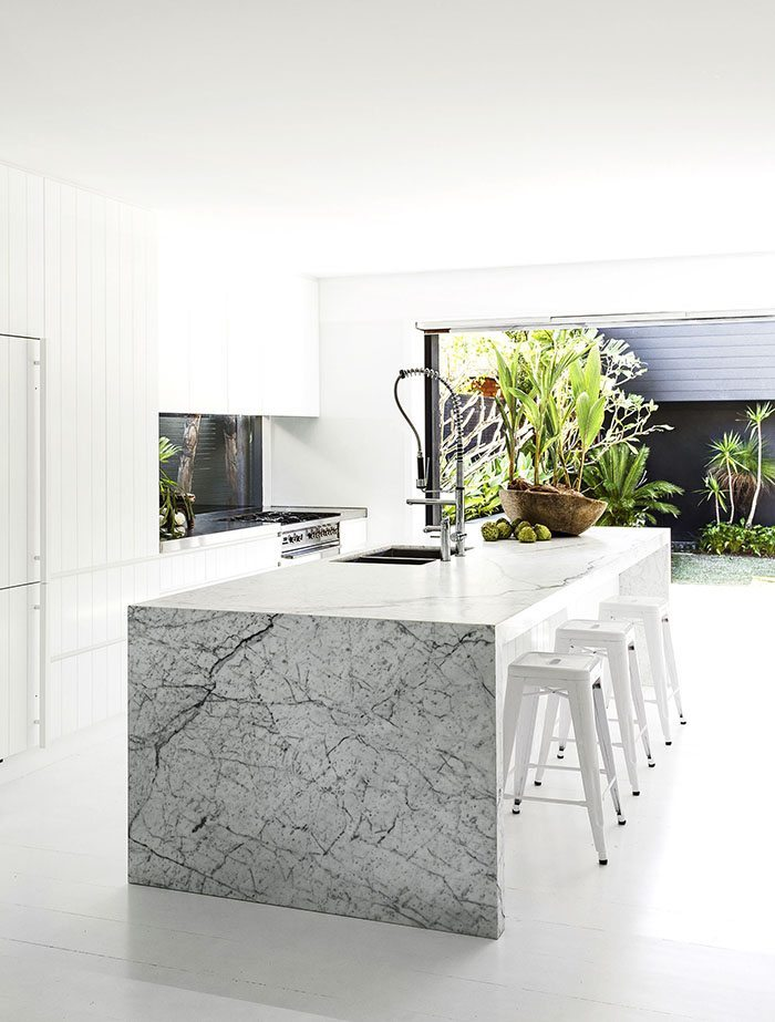 casa en blanco y negro cocina