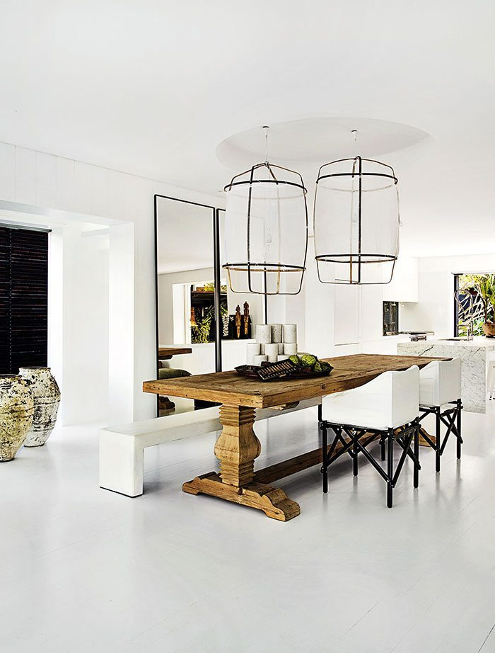 casa en blanco y negro comedor