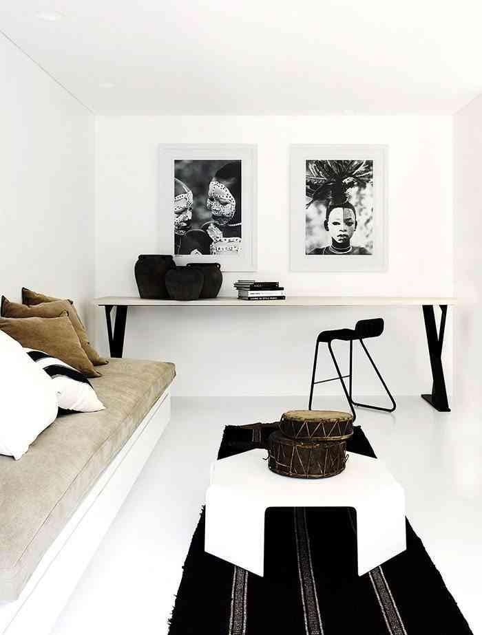casa en blanco y negro sala de estar