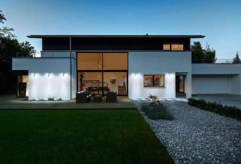5 ideas econ micas para iluminar el jard n for Iluminacion para exteriores