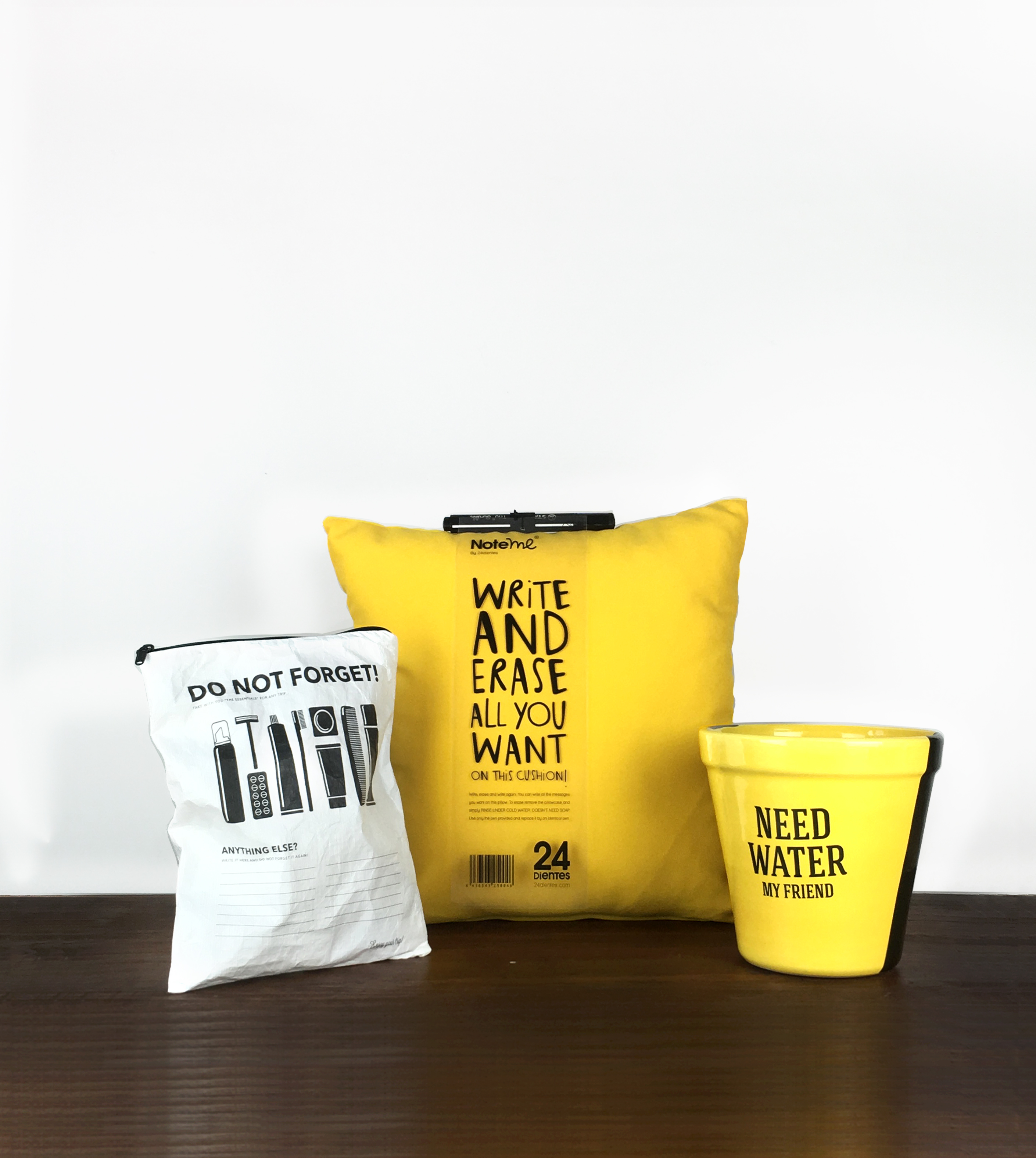 "regalos divertidos para el Día de la Madre - El regalo ideal para madres olvidadizas y con mucho humor: Neceser ""Do Not Forguet"", cojín ""write and erase"" y maceta ""I need water"""