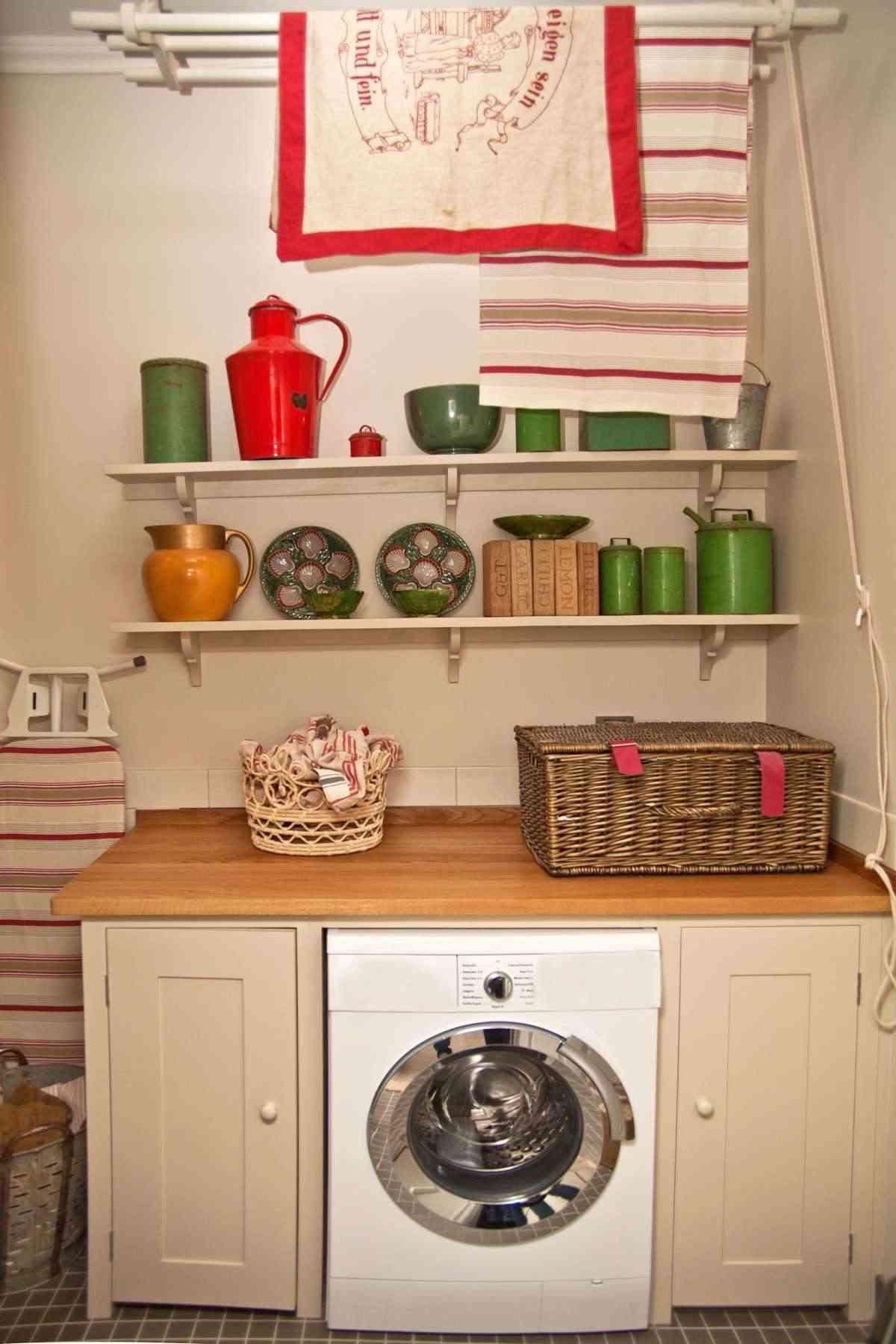 cuarto de lavado rojo y verde