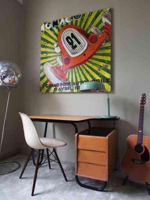 pintar un dormitorio juvenil milk escritorio