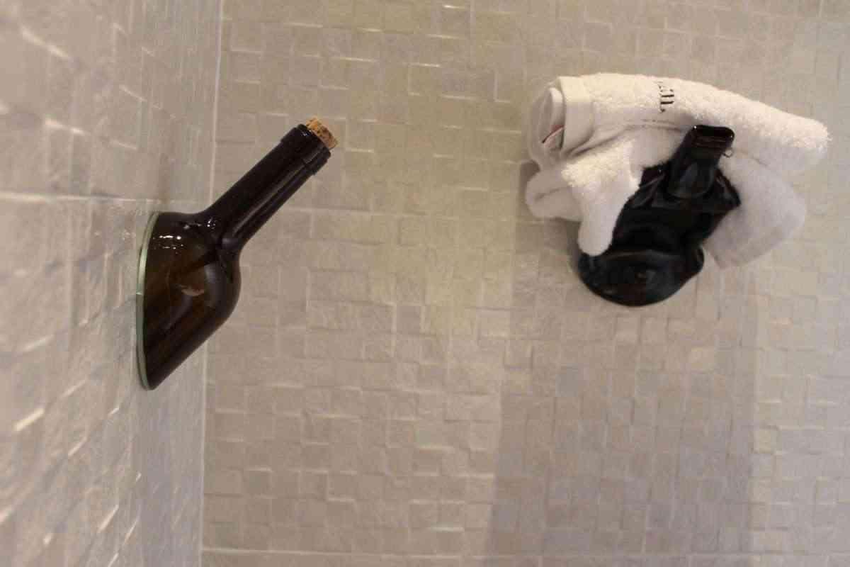 decorar con botellas de vino. Lagar de Isilla. Patricia Muñoz