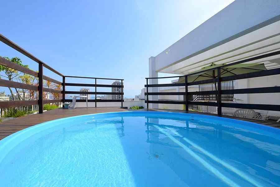 Las m s impresionantes piscinas en terrazas de ticos - Piscina en terraza peso maximo ...