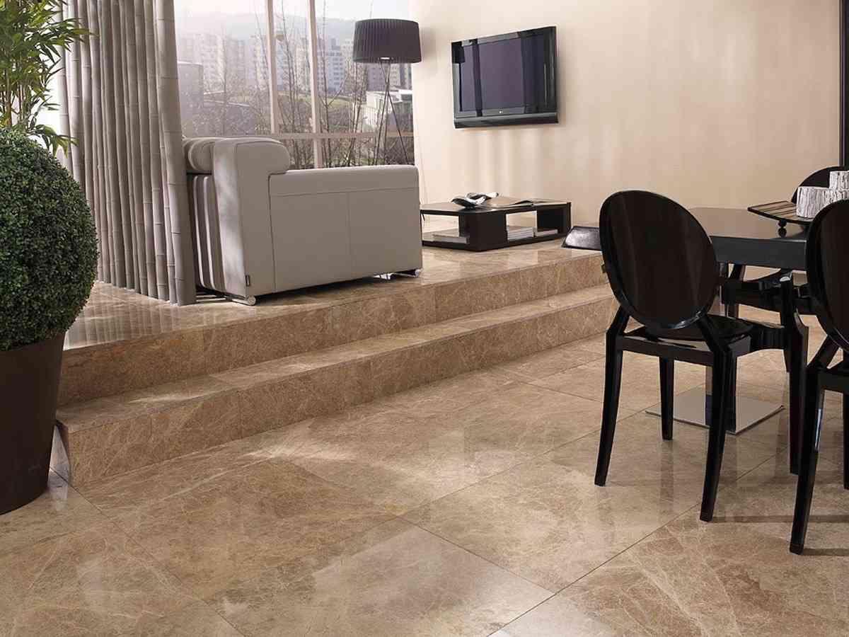 Tipos de suelo de piedra natural y consejos para su limpieza for Marmol para suelos