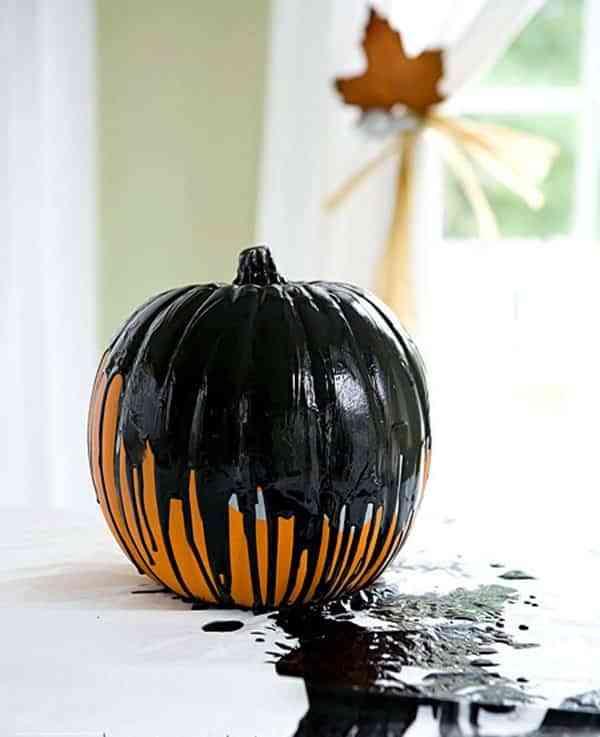 calabazas-decoradas-con-pintura-negra-house